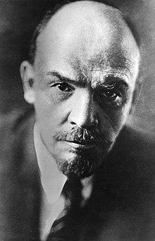 220px-Bundesarchiv_Bild_183-71043-0003,_Wladimir_Iljitsch_Lenin